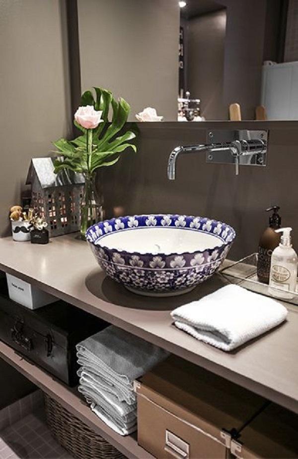Banheiros decorados 19 ideias para voc fazer igual for Casa rustica classica