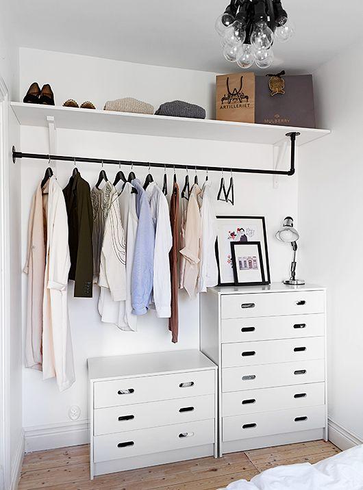 Closets Pequenos – 24 Ideias Práticas e Lindas Para Te Inspirar-16