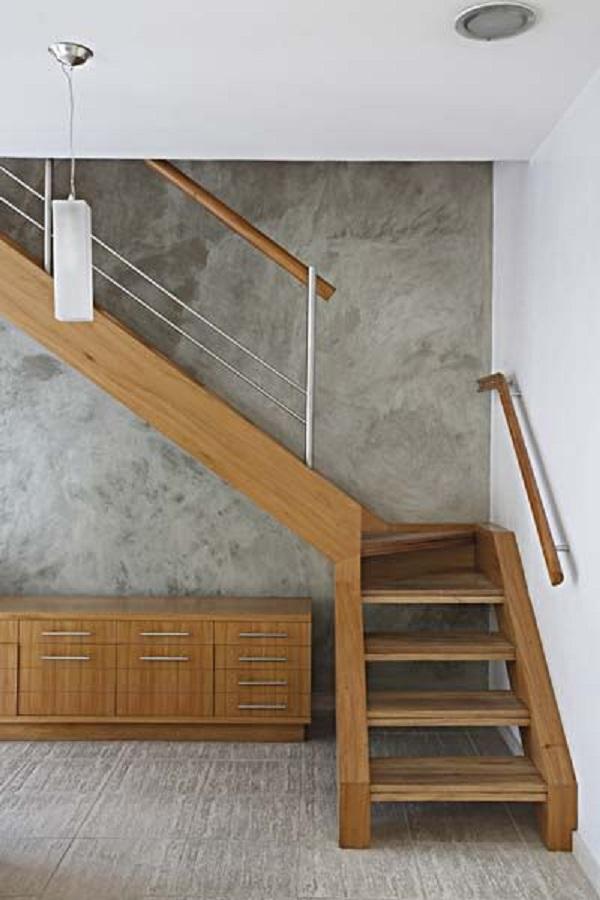 Escadas de Madeira -  20 Ideias Para Inspiração-16