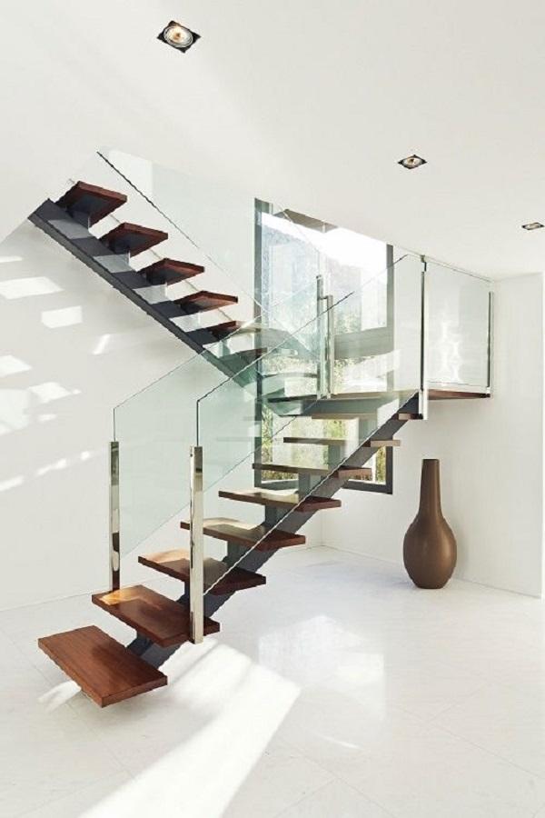 Escadas de Madeira -  20 Ideias Para Inspiração-10