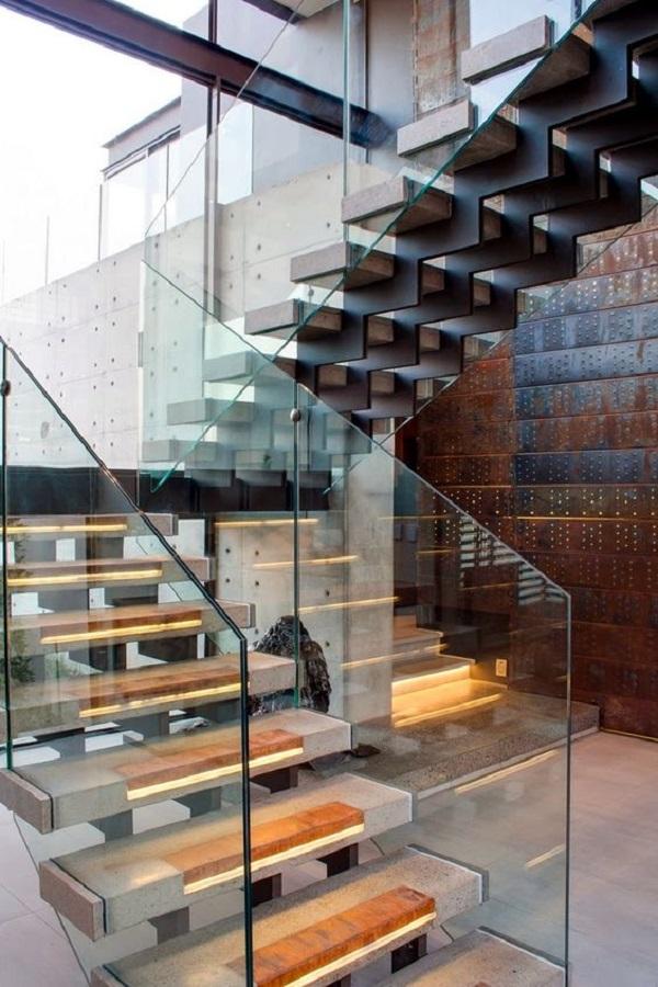 Escadas de Madeira -  20 Ideias Para Inspiração-11