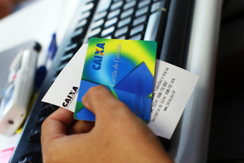 Tenha em mãos o cartão cidadão para retirar seu PIS